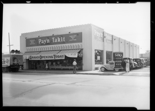 Opening of Pay'n Takit store, Southern California, 1932
