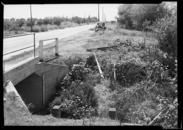Chrysler sedan and scene of accident, San Fernando, Imagine Morris assured, Southern California, 1932