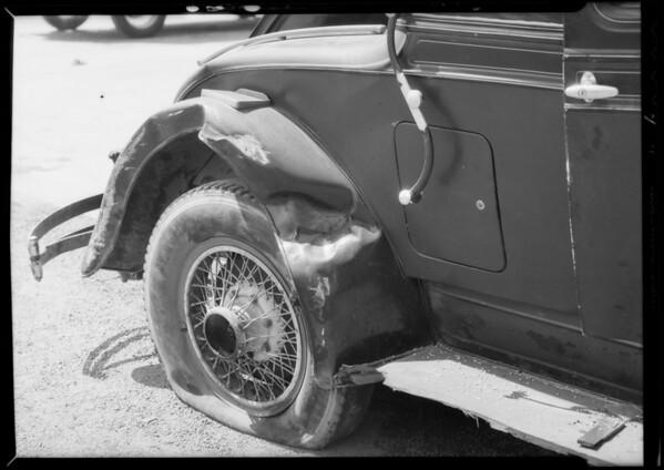 REO coupe at service station, W.D. Lum, owner, San Gabriel Boulevard and Colorado Boulevard, Pasadena, CA, 1934