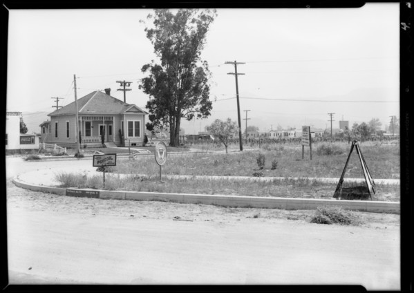 Case of Mr. Ferrara, intersection of Victory and Providencia, Burbank, CA, 1932