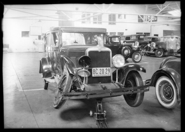 Intersection, Delaware Avenue & 14th Street, Santa Monica, Chevy sedan, Southern California, 1932