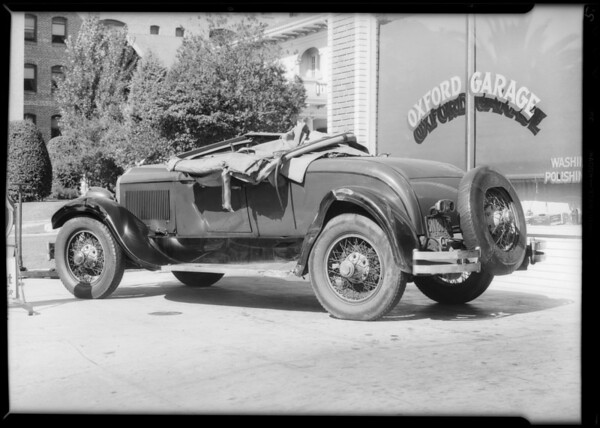 Wreck of Chrysler roadster, Oxford Garage, Southern California, 1931