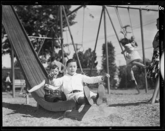 Kiddies eight years in play prints, Southern California, 1932