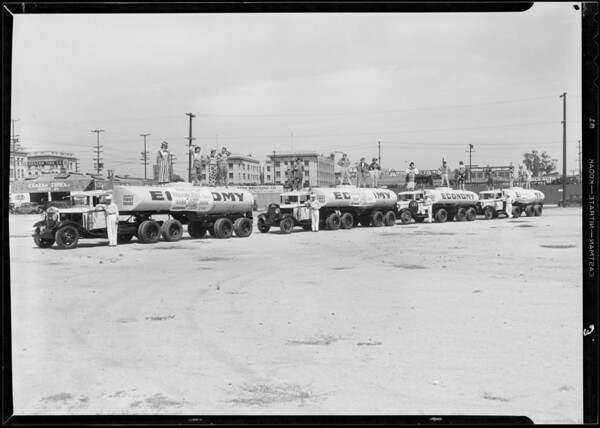 Paramount publicity radio group on truck, Wilshire Oil Co., Southern California, 1933