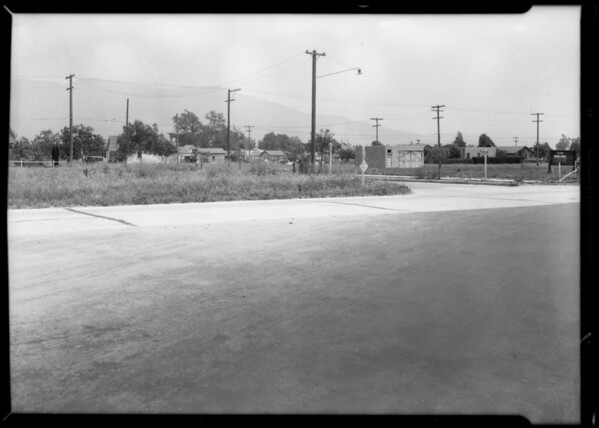 Case of Mr. Ferrara, intersection of Victory and Providencia, Burbank, CA, 1932