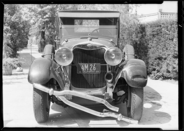 Lincoln sedan, Universal Auto Insurance, Southern California, 1933