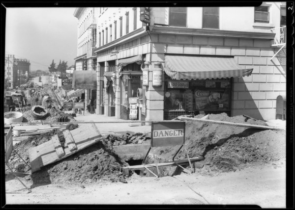 Long bore for pipe at West 3rd Street and South Lucas Avenue, Los Angeles, CA, 1932