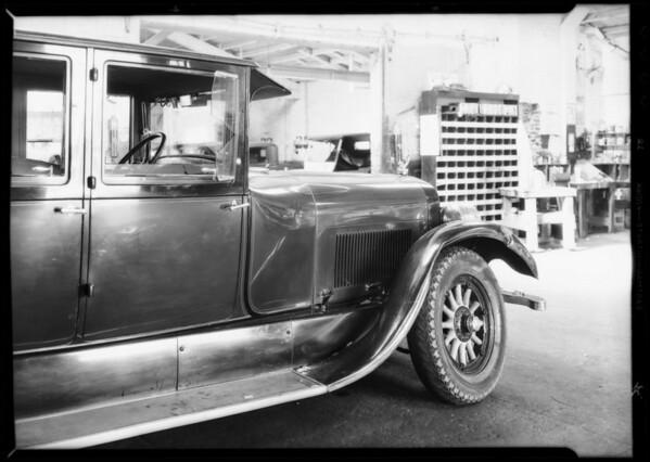Lincoln sedan, P.O. 513030 - Rogers, owner, Southern California, 1932