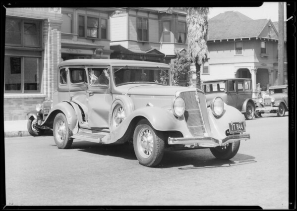 Wreck damage to Studebaker, Los Angeles, CA, 1933
