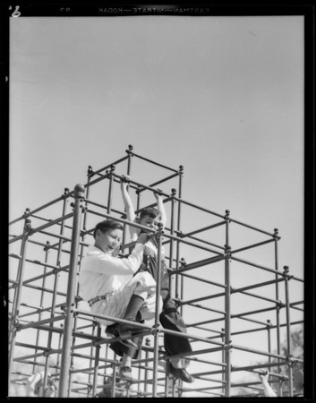 Kiddies eight years in play prints, Southern California, 1932