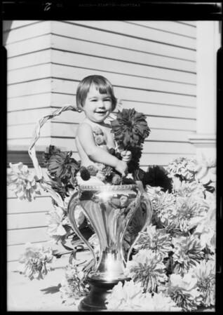 Baby, dahlia show pubilcity, Southern California, 1933