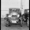 Intersection, 10th Avenue & West 36th Street, Dodge sedan belonging to Mr. Adler, assured, Ford coupe, license 85866, Los Angeles, CA, 1933