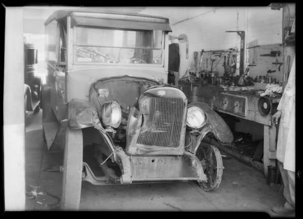 Shuken vs. Roffin, Autocar belonging to Shuken, Federal belonging to Roffin, Southern California, 1933