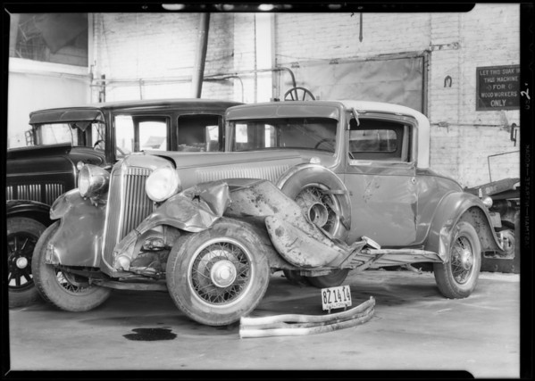 Cadillac, Chrysler, and intersection, case of Schyler Lodd, Southern California, 1932