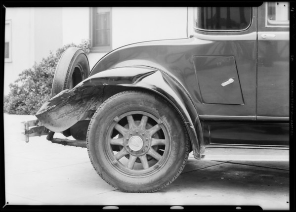 Oakland coupe, Southern California, 1932