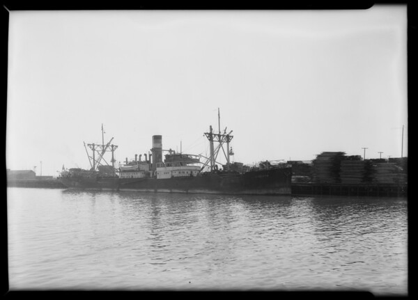 Shipment of guano from Chile, Southern California, 1932