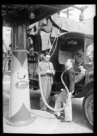 Publicity, Barker Bros. garage, Southern California, 1932