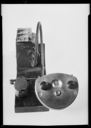 Auto radio, chassis part, Southern California, 1932