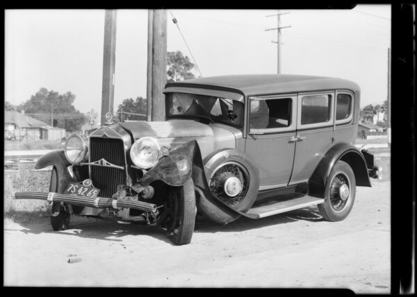 Willys-Knight and Essex at Cidmers Garage and intersection, Southern California, 1931