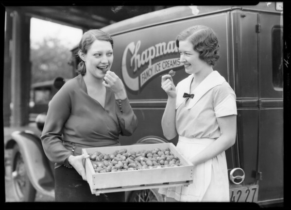 First load of strawberries, Southern California, 1932