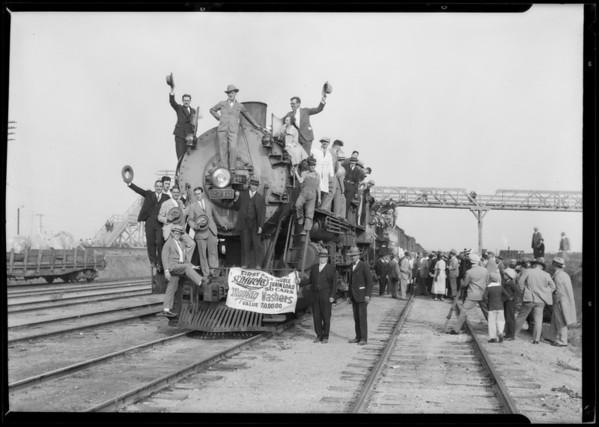 Trainload of Maytag washing machines, Southern California, 1926