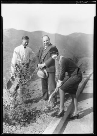 Beverly Ridge Drive with Buryl Polk, Los Angeles, CA, 1927