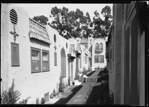 Eastern architecture on court, Southern California, 1924