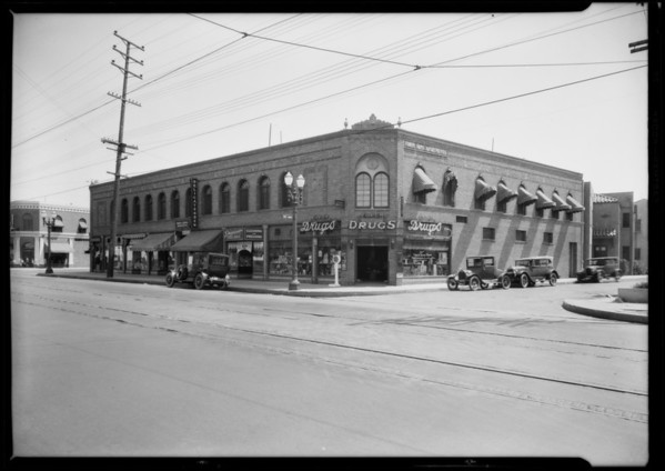 Intersection of Wilshire Boulevard and South Sycamore Avenue, intersection of West Pico Boulevard and 6th Avenue, Los Angeles, CA, 1926