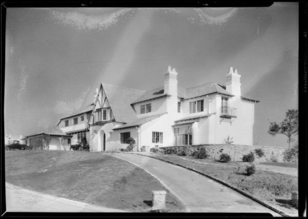 Atwater Kent dealer's home, Southern California, 1928