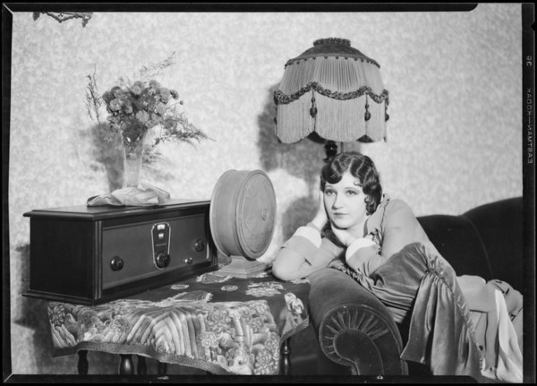 Stewart Warner radio & Betty Boyd, Southern California, 1926