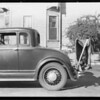 Studebaker with radio on trunk rack, Leigh Borden Inc vs. Walter A. Castello, Southern California, 1932