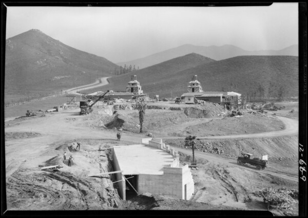 Hotel construction, Southern California, 1927