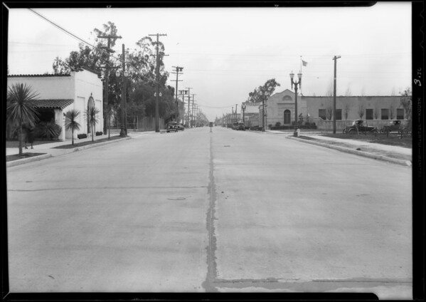 Chevrolet sedan, M. Polachek and intersection, Magnolia Boulevard and Bakman Avenue, North Hollywood, Southern California, 1932