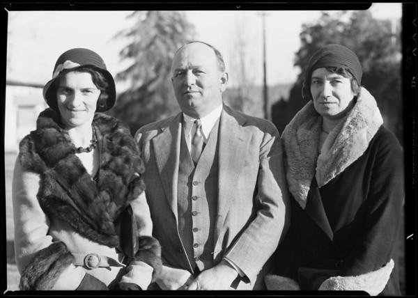 Nurses etc, visitors at Adohr Farms, Southern California, 1932