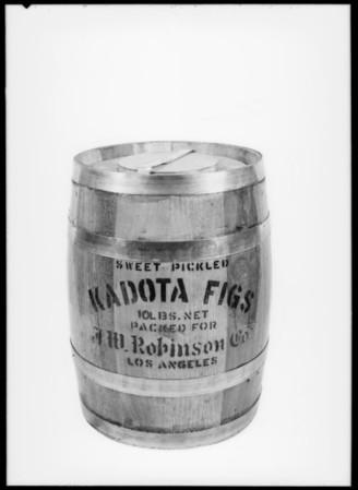 Kadota figs barrel, Southern California, 1927