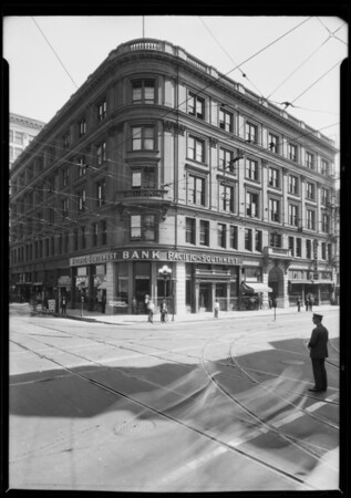 Pacific Southwest Trust & Savings Bank, branch on South Spring Street & West 2nd Street, Los Angeles, CA, 1925