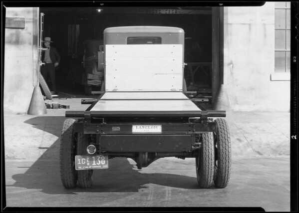 Kerckhoff-Cuzner truck, Los Angeles, CA, 1933