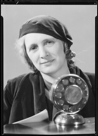 Miss Hubler & microphone, Southern California, 1934