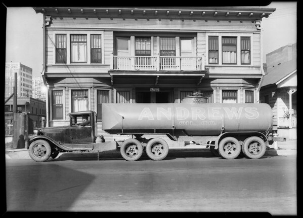 Andrews Oil Co. truck, Southern California, 1932