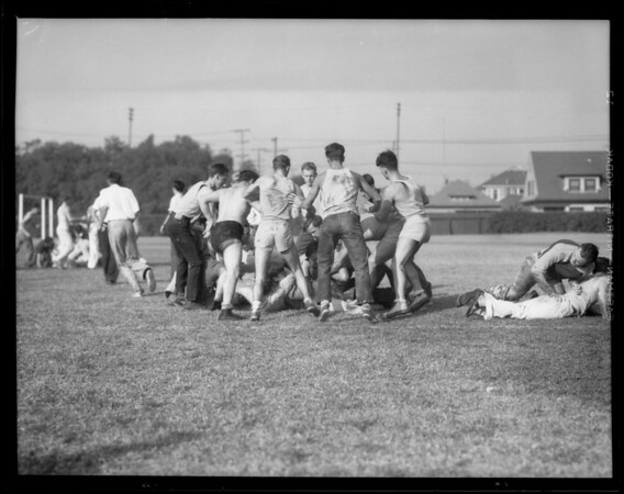 USC freshman and sophomore battle, Los Angeles, CA, 1933
