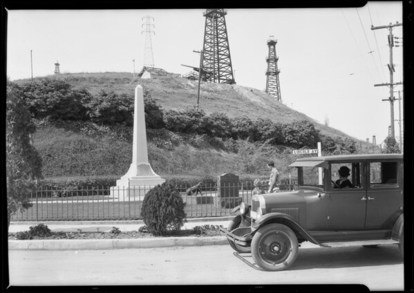 Monument at intersection of East Lincoln Avenue and San Gabriel Boulevard, South Montebello, CA, 1926