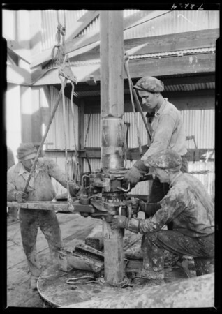 Oil - drilling operations, Southern California, 1925