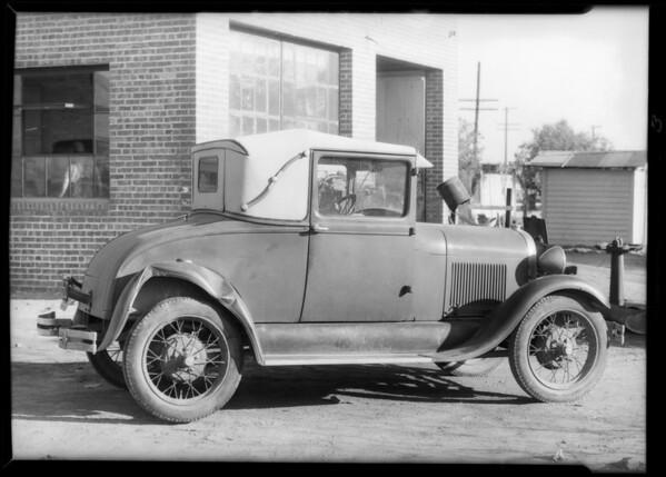 1929 Ford coupe, license #7R4239, 10963 San Fernando Road, Pacoima, Los Angeles, CA, 1933