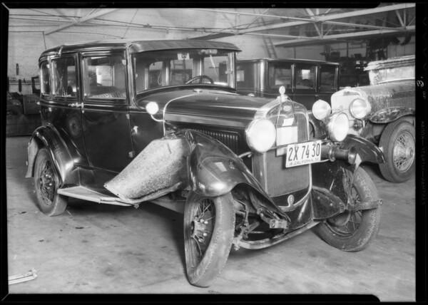 Ford sedan, Southern California, 1932