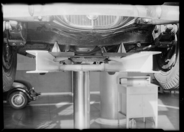 Cars on hoist, Union Oil Company, Southern California, 1934
