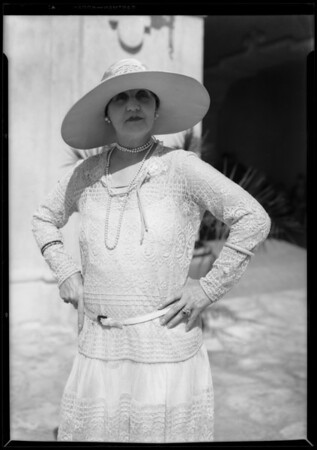 "Cast for ""Gentlemen Prefer Blondes"", 320 South Mission Drive, San Gabriel, CA, 1927"