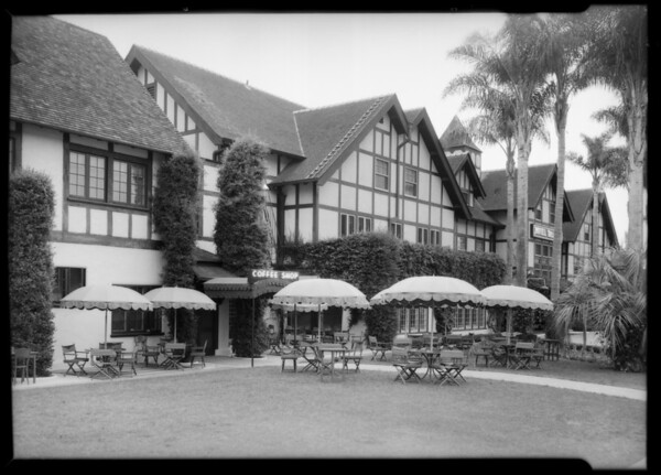 Coffee shop & patio at Del Mar, CA, 1935