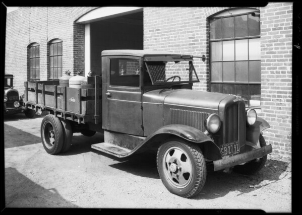 REO truck, Nesden Company Incorporated, assured vs. B.A. Haurl, Southern California, 1935