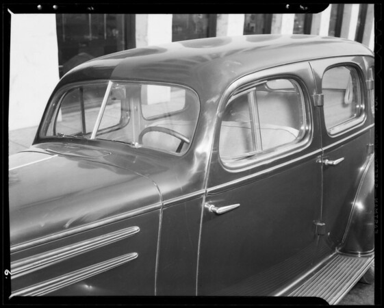 Damage to Gondeck car and 7th Street between Alvarado Street & Westlake, Los Angeles, CA, 1940