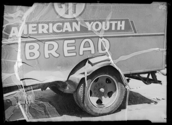 Wrecked American Youth Bread truck - Safeway stores, owner & assured, Southern California, 1935